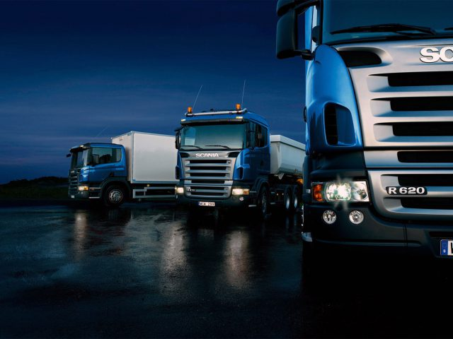 http://www.shippingtohawaii.org/wp-content/uploads/Three-trucks-on-blue-background-640x480.jpg